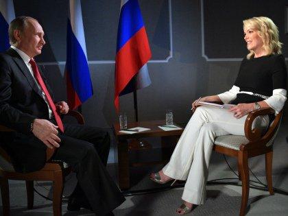 Мегин Келли берет интервью у Владимира Путина на ПМЭФ-2017 // Global Look Press