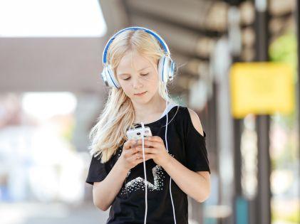Лето – пора обновления, в том числе на рынке смартфонов // Jan Haas / Global Look Press