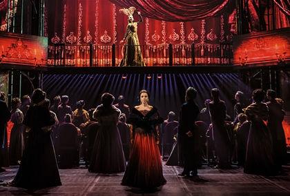 Сцена из мюзикла «Анна Каренина» // Фото предоставлено театром «Московская оперетта»