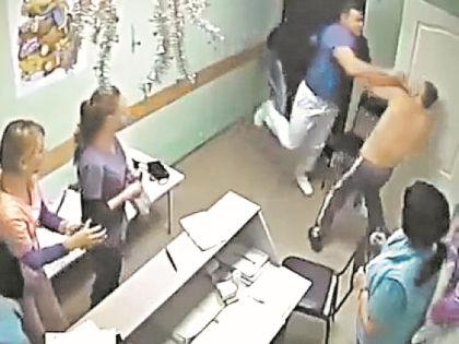 Убийство пациента шокировало всю страну // Камера видеонаблюдения