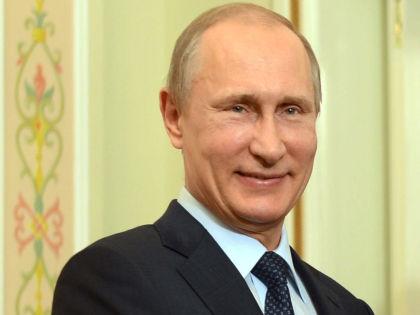 Соединение денег и власти органично для всей российской элиты, сказал эксперт // Global Look Press