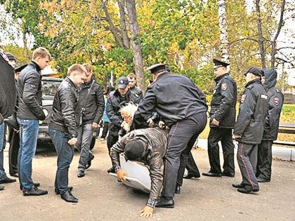 Валентина Гаврилова, выступающего против застройки Константиново, скрутили на празднике, на который он приезжает уже 40 лет // архив редакции