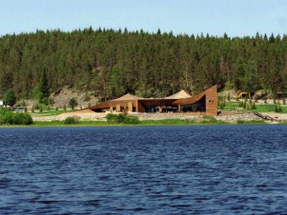 О существовании секретной резиденции не только местные жители, но и просто заезжие рыбаки знают уже лет пять // forum.motolodka.ru
