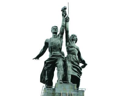 Эмблемой киностудии является «Рабочий и колхозница». Скульптура впервые появилась в 1947 году в качестве экранной марки «Мосфильма» в фильме «Весна» // Анатолий Ломохов