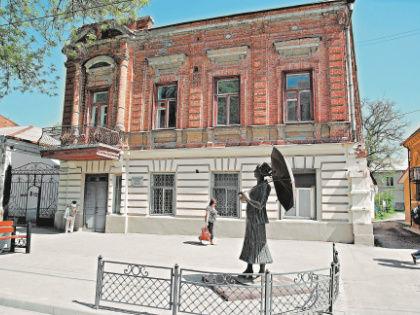 В этом доме на бывшей Николаевской улице в Таганроге Фаня Фельдман прожила 19 лет // Global Look Press