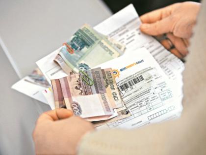 Чаще всего мы сталкиваемся с платежами за услуги ЖКХ. Существует минимум 4 способа, как оплатить счет без комиссии // Александр Алешкин / «Собеседник»