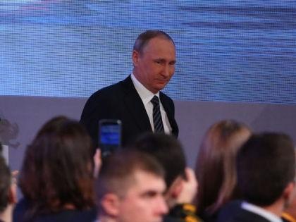 Владимир Путин на пресс-конференции 17 декабря // Александр Алешкин / «Собеседник»