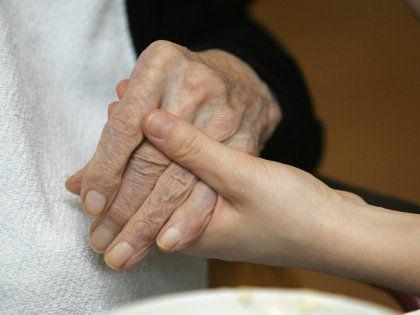 Возраст жертвы болезни Альцгеймера определяет первые симптомы болезни // Global Look Press
