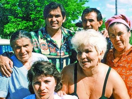 Многодетная семья Алибасовых была очень дружной // Из личного архива