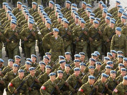 Российских десантников тайно отправляют в Сирию? // Russian Look