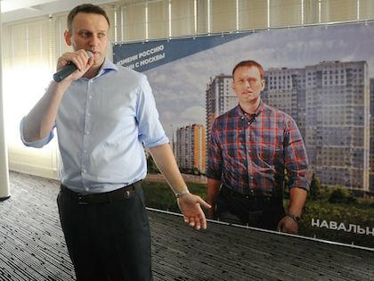 Навальному выгодно показать полицейскую сущность «кровавого режима» //  Антон Белицкий / Russian Look
