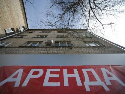 Желающих снять квартиру летом ждут неожиданные скидки // Антон Белицкий