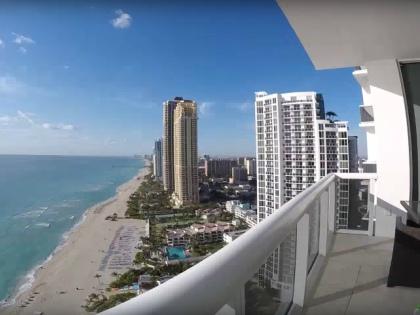 Российские инвесторы купили недвижимости в высотках Trump в Майами почти на 100 млн долларов // Стоп-кадр YouTube