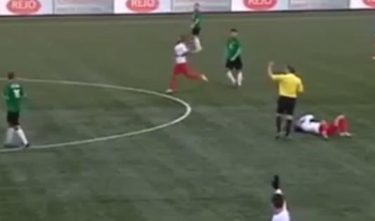 Инцидент произошел во время матча между командами «Барендрехт» и «Схевенинген» // Кадр YouTube