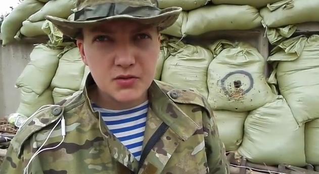 Савченко увезли из Басманного суда на скорой // Кадр Youtube