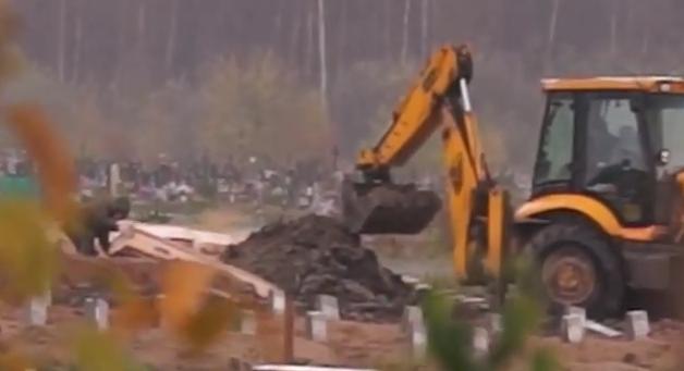 В Санкт-Петербурге разбили гробы за государственный счет // Кадр Youtube