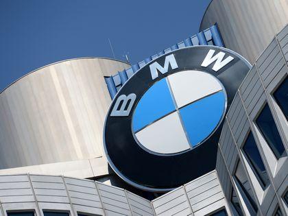 BMW не хочет отставать от Mercedes // Global Look Press