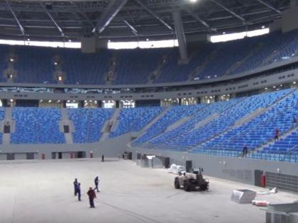 """Болельщики """"Зенита"""" смогли оценить внутреннее состояние строящейся арены // стоп-кадр / Youtube"""
