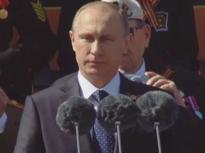 Необходимо выработать систему равной безопасности, сказал президент на параде // Кадр YouTube