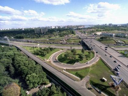 Дорожно-транспортное строительство в Москве теперь под присмотром каждого // Roman Denisov / Russian Look