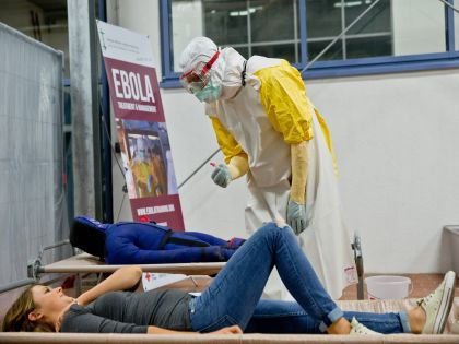 Более 7,5 тысяч человек стали жертвами Эболы // Global Look Press