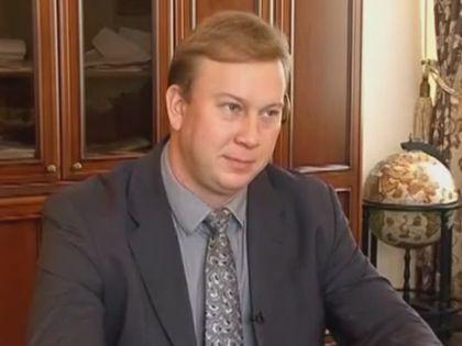 Плотников одолжил Lexus у депутата городского собрания // Кадр YouTube