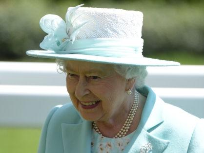 Королева получит рекордный доход от сделок с недвижимостью // Andrew Parsons/ZUMAPRESS.com