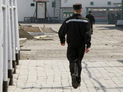 В посёлке гибнут не только военные, но и мирные граждане // Russian Look