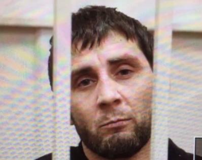В ходе заседания судья сообщила, что у следствия есть признательные показания Заура Дадаева (на фото) // Кадр YouTube