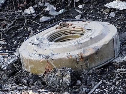 Неразорвавшиеся снаряды специалисты назвали главным препятствием для жителей региона на пути к мирной жизни // Игорь Головнев / Global Look Press