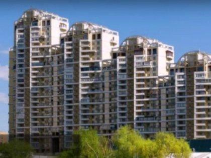 Не хотят люди съезжать с прекрасных квартир не менее прекрасного «депутатского дома» на ул. Улофа Пальме, 1 // Стоп-кадр YouTube