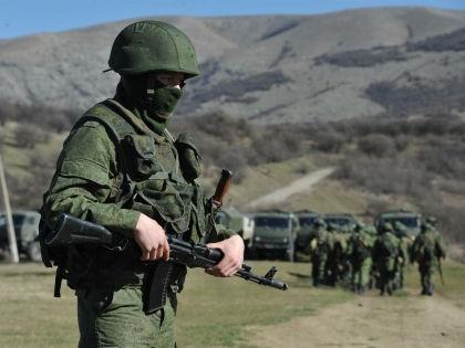 Русский десантник охранял склад оружия сепаратистов // Russian Look