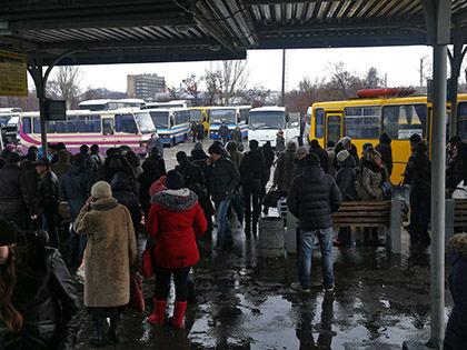 В результате обстрела в городе повреждены также две школы, детский сад // Russian Look