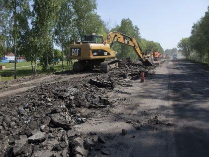Виктор Кинцель считает, что Ангела Меркель могла бы поспособствовать ремонту дорог в Славгороде // Russian Look