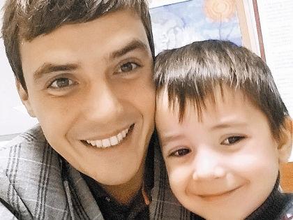 Евгений Кузин с сыном // Instagram