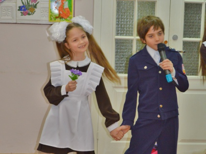Маленькие артисты давно привыкли ездить с гастролями в детские дома, интернаты и больницы // Sobesednik.ru