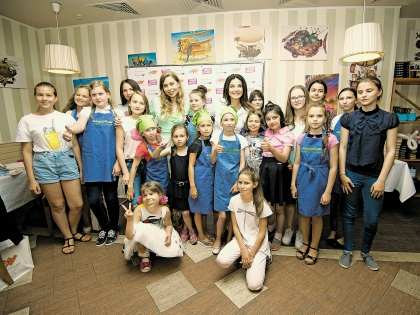 Юных красавиц обучили мастерству макияжа и кулинарным премудростям // Гелла Сабитова