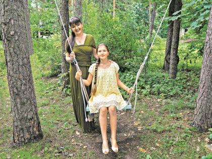 Анастасия Мельникова с дочерью Машей // Владимир Бертов
