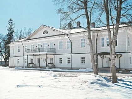 В господский дом пускают не только «господ», но и туристов // Ольга Кузнецова