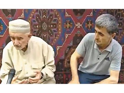 Рамазан Джалалдинов (на фото справа) удивил общественность дважды // Кадр YouTube