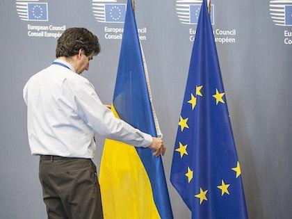 По словам Путина, переговоры по ассоциации Украины и ЕС должны продолжаться с учетом экономических интересов России  // Global Look Press