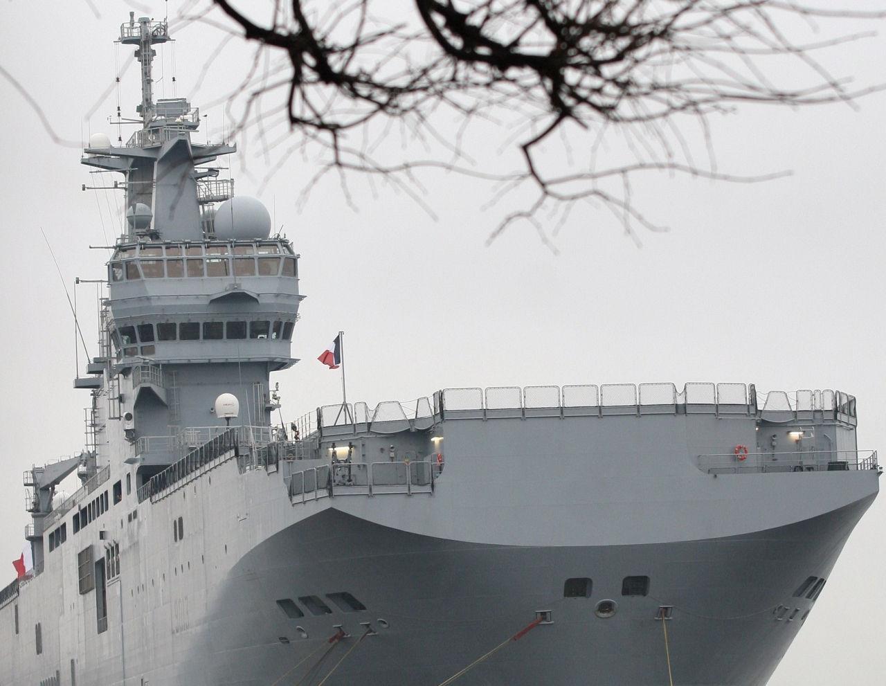Россия введет санкции против Франции за срыв контракта на поставки «Мистралей» // Russian Look