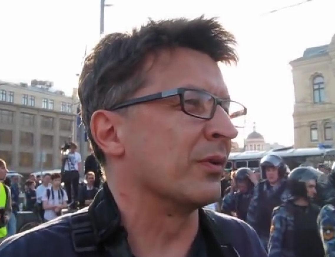 Рустем Адагамов объявлен в федеральный розыск за педофилию // Кадр YouTube