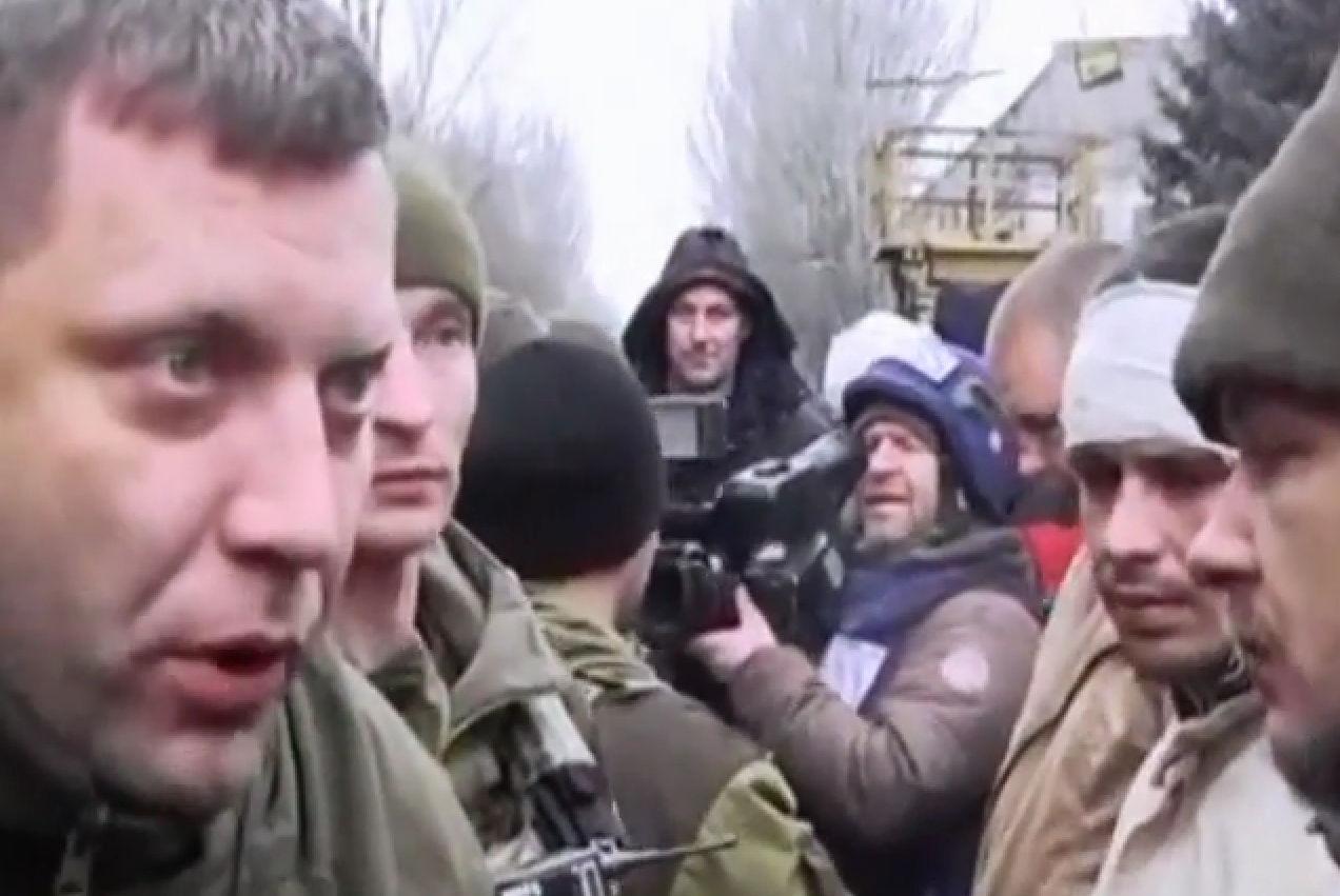 Александр Захарченко потребовал от пленных просить прощения у родственников погибших // Кадр YouTube