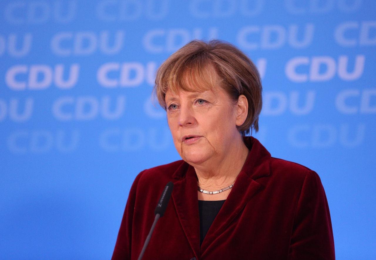 Меркель напомнила Путину о нарушениях минского соглашения // Христиан Харизиус / Russian Look