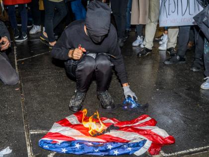 Американцы добавляют огоньку к полосам и звёздам // Erik Mcgregor / Global Look Press