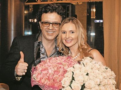 Рома Жуков с женой Еленой // Андрей Струнин / «Собеседник»