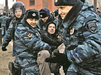 Задержание Ильдара Дадина // Евгений Михеев