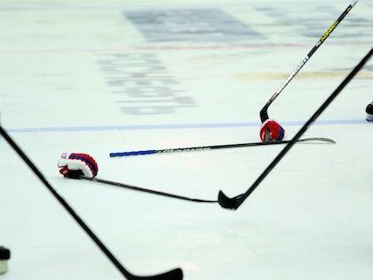В финале молодежного чемпионата мира хоккейная сборная Канады обыграла команду Российской Федерации в Торонто со счётом 5:4 // Дмитрий Голубович / Russian Look