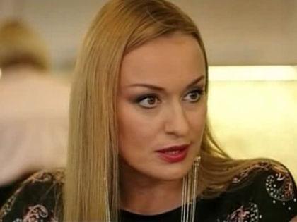 """Наталья Гудкова в сериале """"Мамина любовь"""", 2013 год // кадр из сериала"""